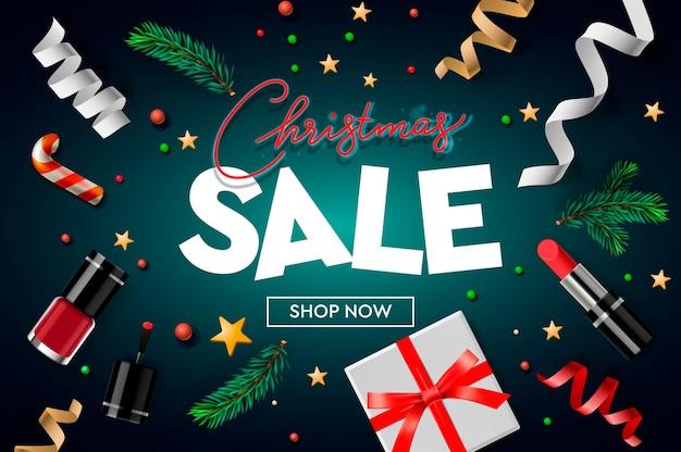 Szablon plakatu świątecznej sprzedaży z ozdób choinkowych, prezentów, kosmetyków, gwiazd, konfetti i gałęzi jodłowych.