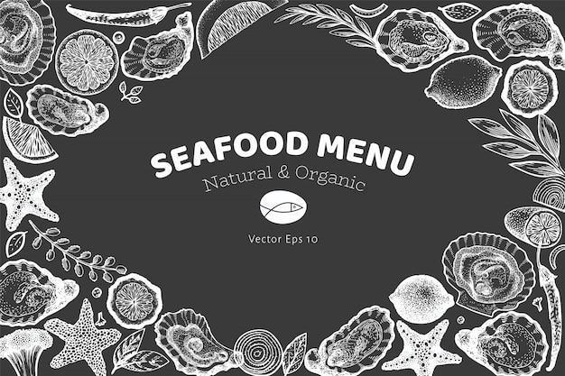 Szablon projektu ostryg i przypraw. ręcznie rysowane ilustracji wektorowych na tablicy kredą. menu z owocami morza