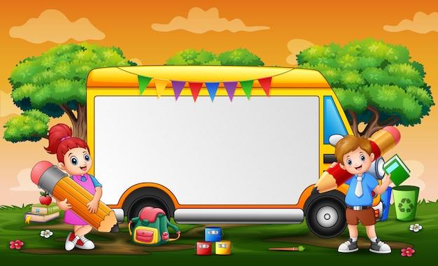 Szablon ramki z żółtym samochodem i dziećmi