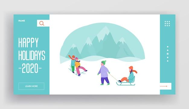 Szablon strony docelowej ferii zimowych. wesołych świąt i szczęśliwego nowego roku układ strony internetowej z płaskimi postaciami ludzi i dzieci. jazda na sankach za pomocą dostosowanej witryny mobilnej.