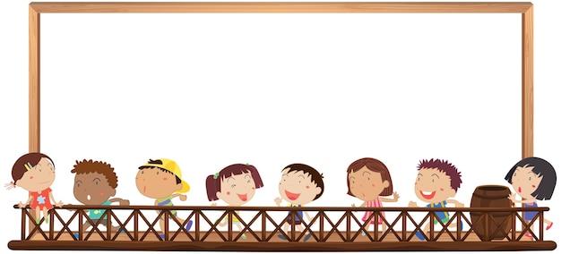 Szablon tablicy ze szczęśliwymi dziećmi