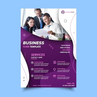 Szablon ulotki dla usług biznesowych
