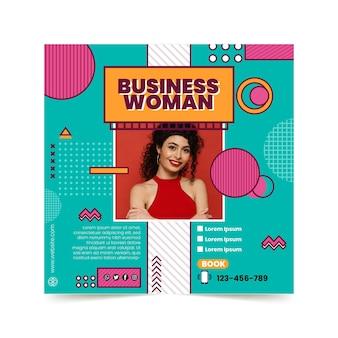 Szablon ulotki kwadratowej bizneswoman