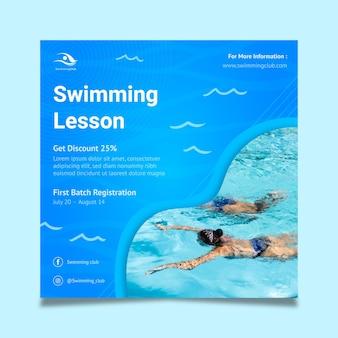 Szablon ulotki kwadratowej pływania
