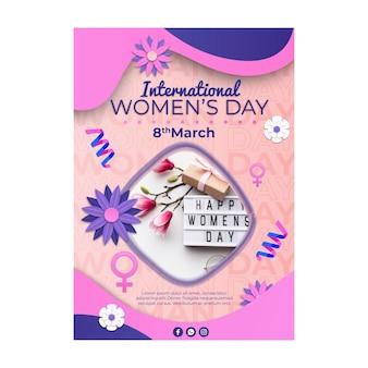 Szablon ulotki pionowej międzynarodowego dnia kobiet z kwiatami i symbolem kobiety