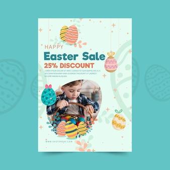 Szablon ulotki sprzedaży pionowej na wielkanoc z jajkami i dzieckiem
