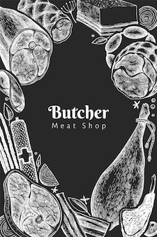 Szablon vintage produktów mięsnych. ręcznie rysowane szynka, kiełbaski, jamon, przyprawy i zioła. retro ilustracji na tablicy kredowej. może być używany do menu restauracji.