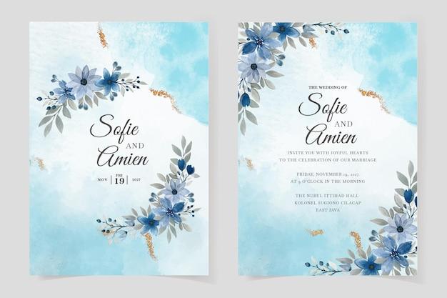 Szablon zaproszenia ślubne z niebieskimi kwiatami i liśćmi akwarela