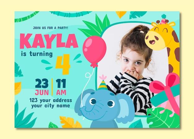Szablon zaproszenia urodzinowego zwierząt kreskówki ze zdjęciem