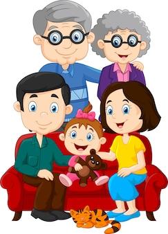 Szczęśliwa rodzina odizolowywająca na białym tle