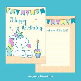 Szczęśliwa karta urodzinowa ze ślicznym jednorożcem