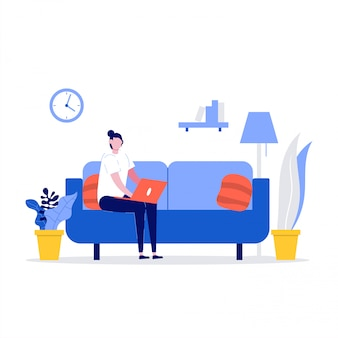 Szczęśliwa kobieta siedzi na kanapie i pracuje z laptopem w domu. freelancer i koncepcja stylu życia w domu.