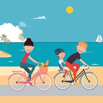 Szczęśliwa rodzina, jazda rowerem na plaży. kobieta na rowerze. ojciec i syn.