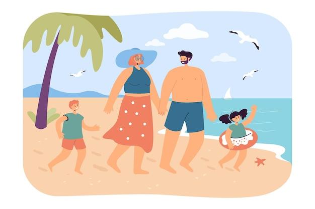 Szczęśliwa rodzina na plaży
