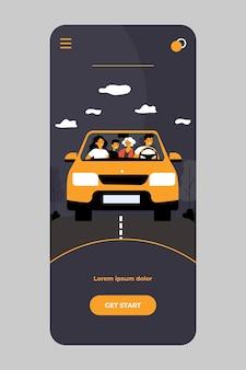 Szczęśliwa rodzina podróżująca samochodem na białym tle w aplikacji mobilnej