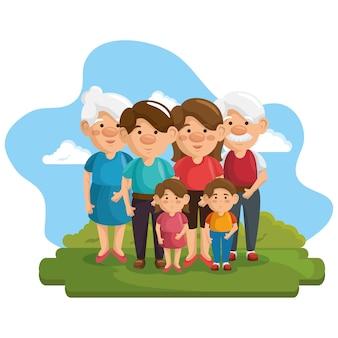 Szczęśliwa rodzina przy parkiem z zielonymi krzakami i niebieskim niebem