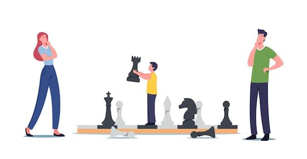 Szczęśliwa rodzina znaków matka, ojciec i synek grają w szachy. chłopiec poruszający wielkimi figurami na szachownicy, rozrywka w czasie wolnym, gra logiczna, hobby, rekreacja. ilustracja wektorowa kreskówka ludzie