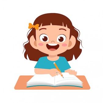 Szczęśliwa śliczna dzieciak nauka z uśmiechem