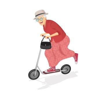 Szczęśliwa stara kobieta na hulajnoga.