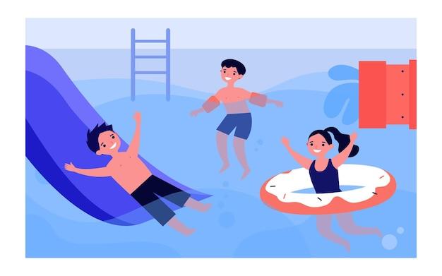 Szczęśliwe dzieci bawiące się w basenie. chłopiec na zjeżdżalni, dziecko w nadmuchiwane opaski, dziewczyna z ilustracji wektorowych płaski gumowy pierścień. aktywność letnia, koncepcja wakacji na baner, projektowanie stron internetowych