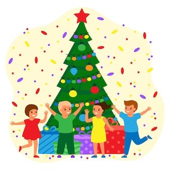 Szczęśliwe dzieci i zielone jodły w domu z kulkami i żarówkami. chłopcy i dziewczęta czekają na wakacje z prezentami. święta bożego narodzenia i nowego roku. wektor