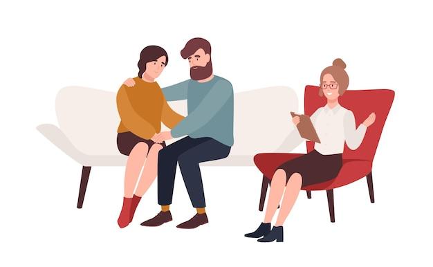 Szczęśliwe małżeństwo na kanapie i kobieta psycholog lub psychoterapeuta siedzi przed nimi. rozwiązany konflikt rodzinny, problem w związku, pojednanie. ilustracja wektorowa kreskówka płaski.
