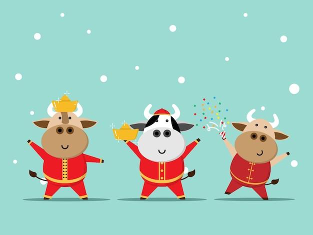 Szczęśliwego chińskiego nowego roku, rok wół śliczna krowa w czerwonym garniturze kreskówka
