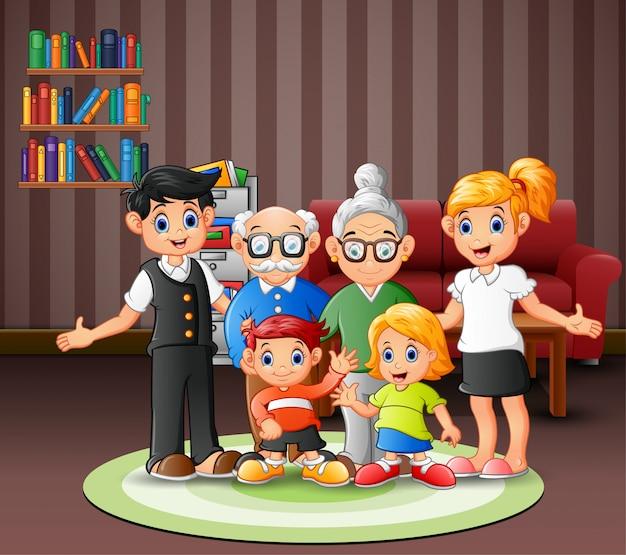 Szczęśliwi członkowie rodziny w salonie