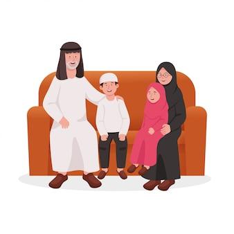 Szczęśliwi dziadkowie i dzieci siedzą razem na kanapie