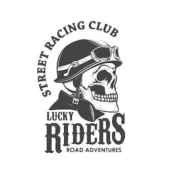 Szczęśliwi jeźdźcy. klub wyścigów ulicznych. czaszka w kasku kierowcy.