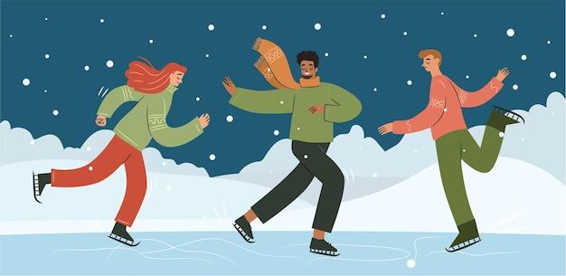 Szczęśliwi ludzie jeżdżący na łyżwach na świeżym powietrzu, gdy pada śnieg mężczyźni i kobiety w brzydkich świątecznych swetrach
