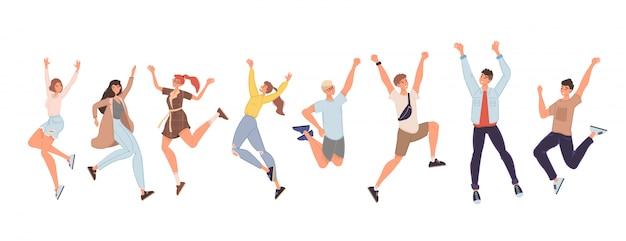 Szczęśliwi ludzie skaczą wysoko dając piątkę