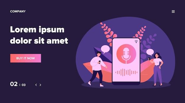 Szczęśliwi malutcy ludzie używający ilustracji asystenta głosowego. postaci z kreskówek stojących w pobliżu dużego smartfona z głośnikiem. koncepcja oprogramowania i technologii cyfrowej