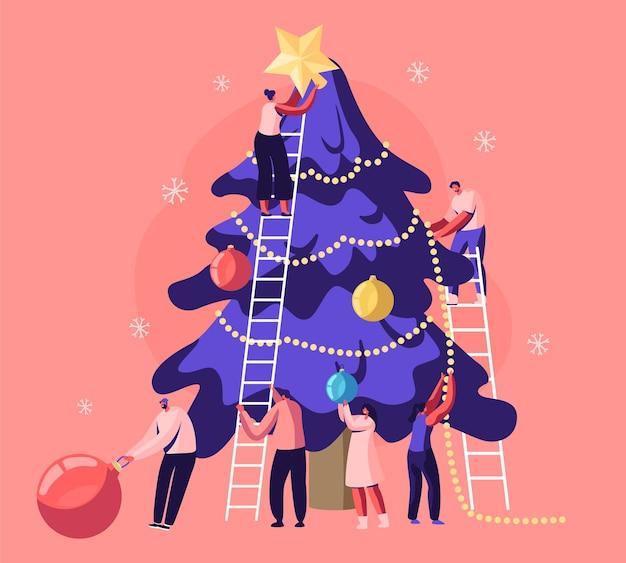 Szczęśliwi, malutcy ludzie wspólnie dekorują ogromną choinkę, przygotowując się do świętowania ferii zimowych. płaskie ilustracja kreskówka