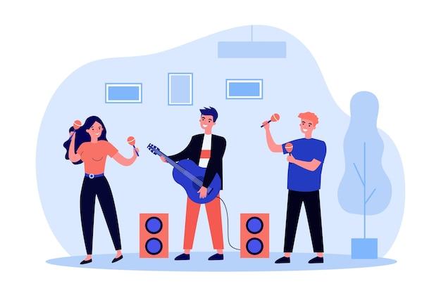 Szczęśliwi młodzi ludzie grający na instrumentach muzycznych. marakasy, gitara, ilustracja zespołu. koncepcja rozrywki i muzyki na baner, stronę internetową lub stronę docelową