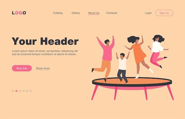 Szczęśliwi przyjaciele skaczący na płaskiej stronie docelowej trampoliny. kreskówka ludzie bawią się i podskakują w parku rozrywki. koncepcja przyjaźni i rozrywki