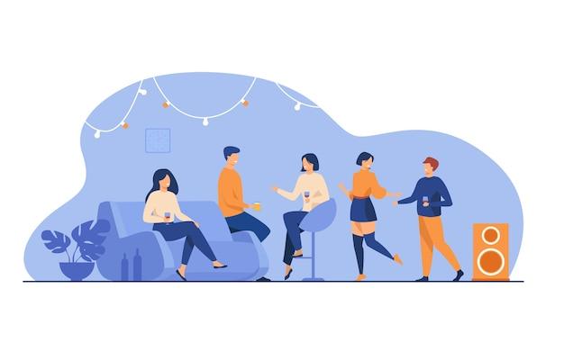 Szczęśliwi przyjaciele w domu party na białym tle ilustracji wektorowych płaski. kreskówka grupa studentów, taniec, rozmowa i dobra zabawa w mieszkaniu.