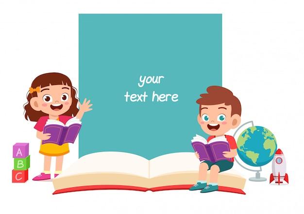 Szczęśliwy ładny małe dziecko chłopiec i dziewczynka notatnik szablon