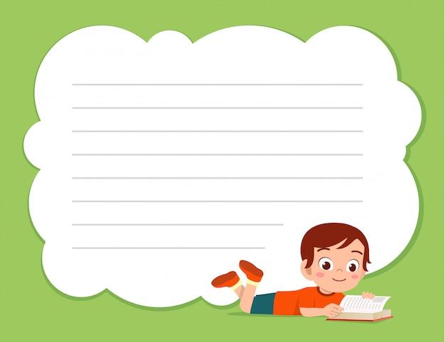 Szczęśliwy ładny małe dziecko chłopiec notatnik szablon