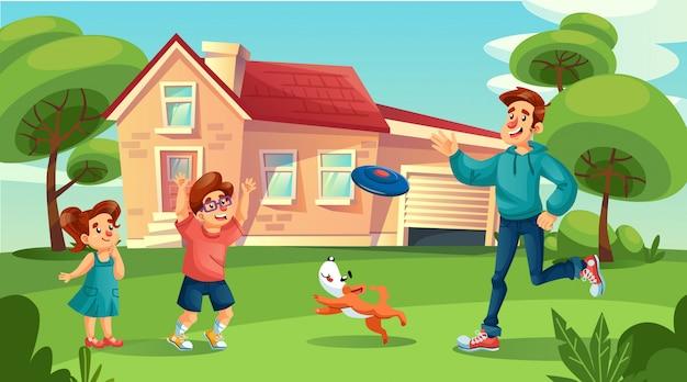 Szczęśliwy ojciec bawiący się wesołymi dziećmi na podwórku