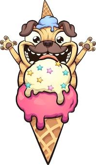 Szczęśliwy pies mops, który ma zamiar zjeść lody w rożku