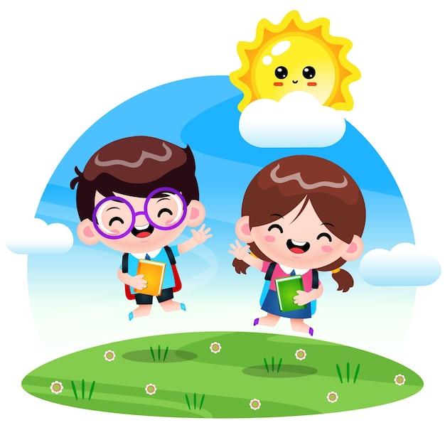 Szczęśliwy słodki uczeń skaczący w ogrodzie