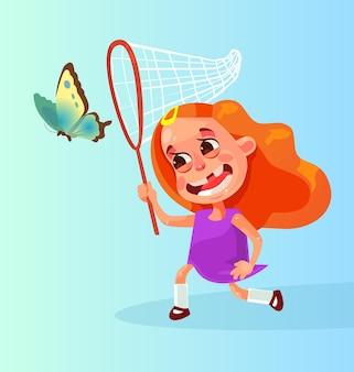 Szczęśliwy uśmiechający się maskotka postać na białym tle mała dziewczynka gra i bieganie goni za motylem. kreskówka