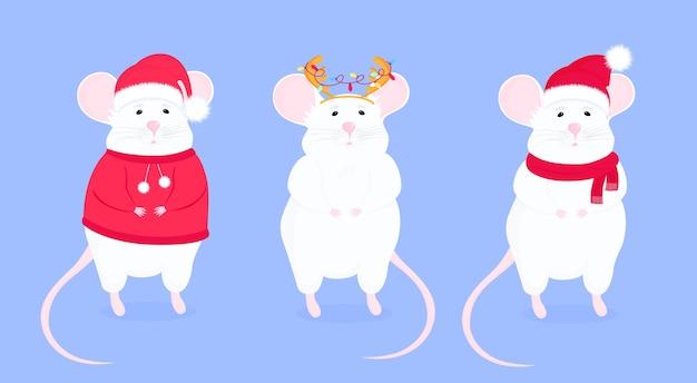 Szczur w czapce mikołaja z porożem. śmieszne myszy. księżycowy znak horoskopu myszy. szczęśliwego nowego roku.
