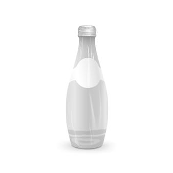 Szklana butelka na napoje z pustą etykietą