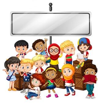 Sztandar z szczęśliwymi dziećmi i drewnianymi pudełkami