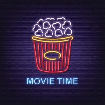 Szyld neon czas filmu