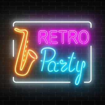 Szyld neon retro party w barze muzycznym.