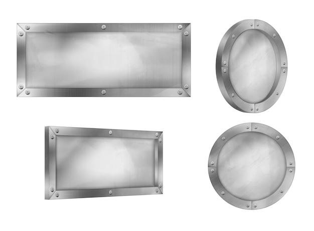 Tabliczki metalowe, tablice stalowe z nitami na ramie na białym tle
