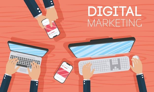 Technika marketingu cyfrowego z laptopem i smartfonem